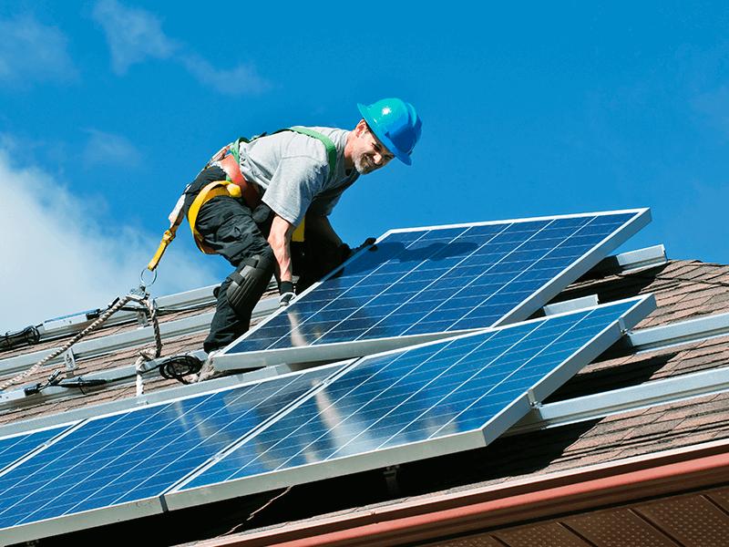 Aurinkopaneelit katolle